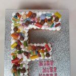 Letter F taart